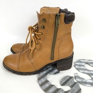 Tarra lace up construction worker style boots 8